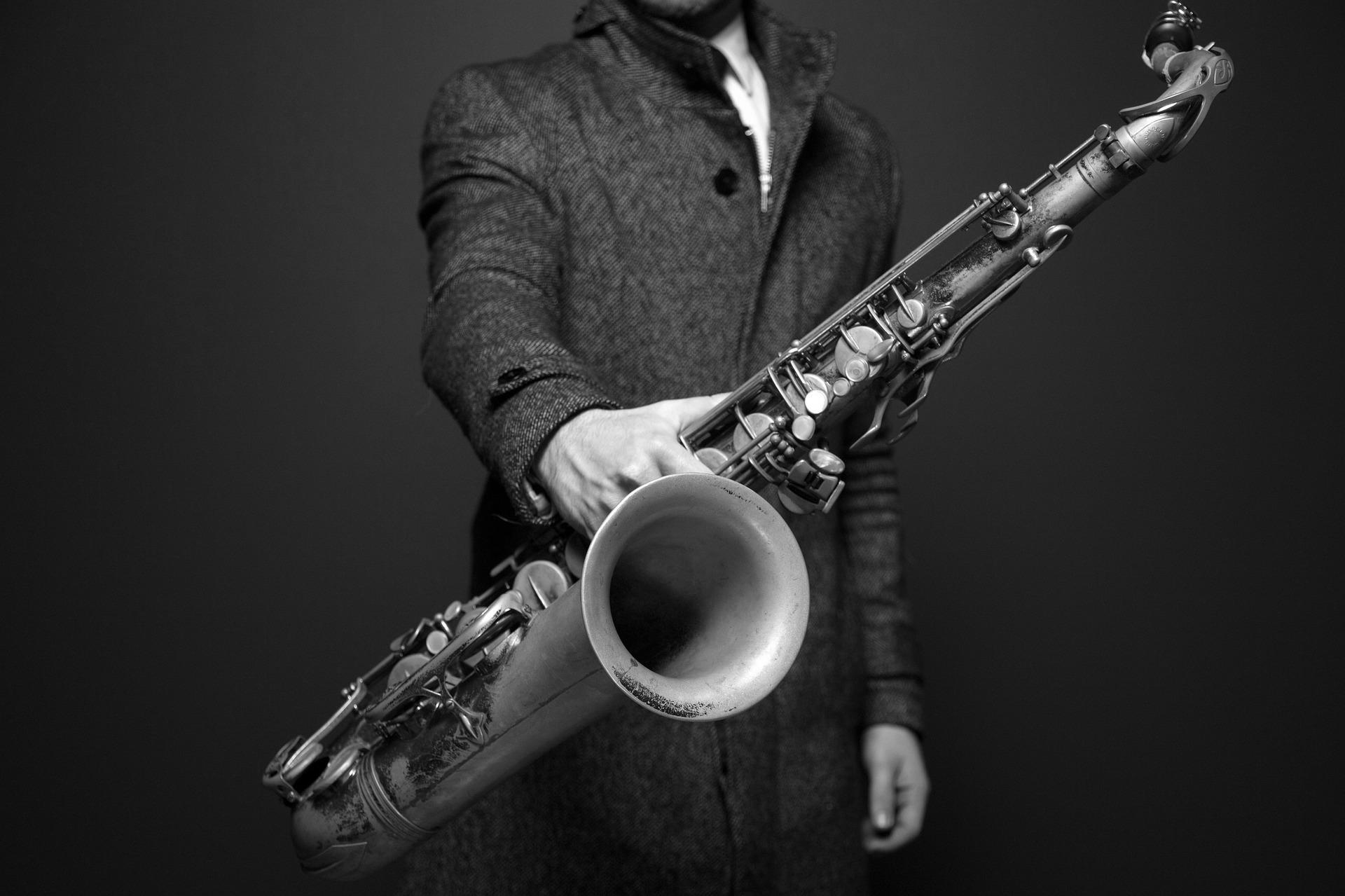 saxophone-9bnw